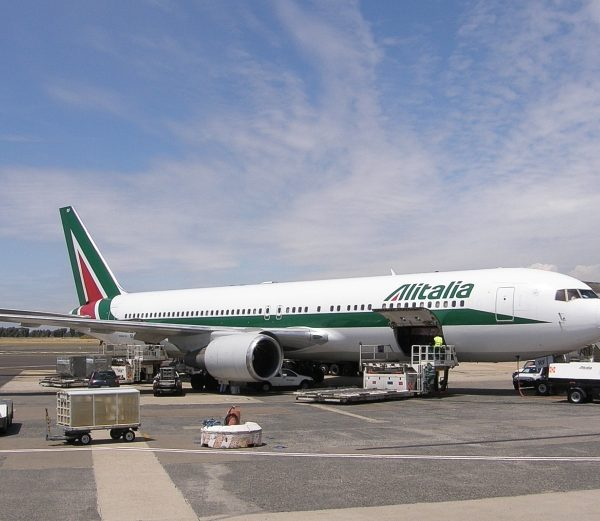 Rome airport: Alitalia flight