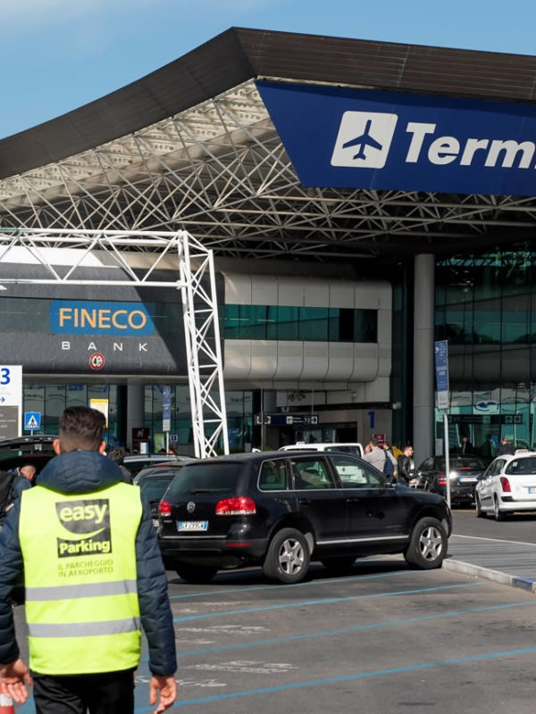 Rome airport: outside terminal 3
